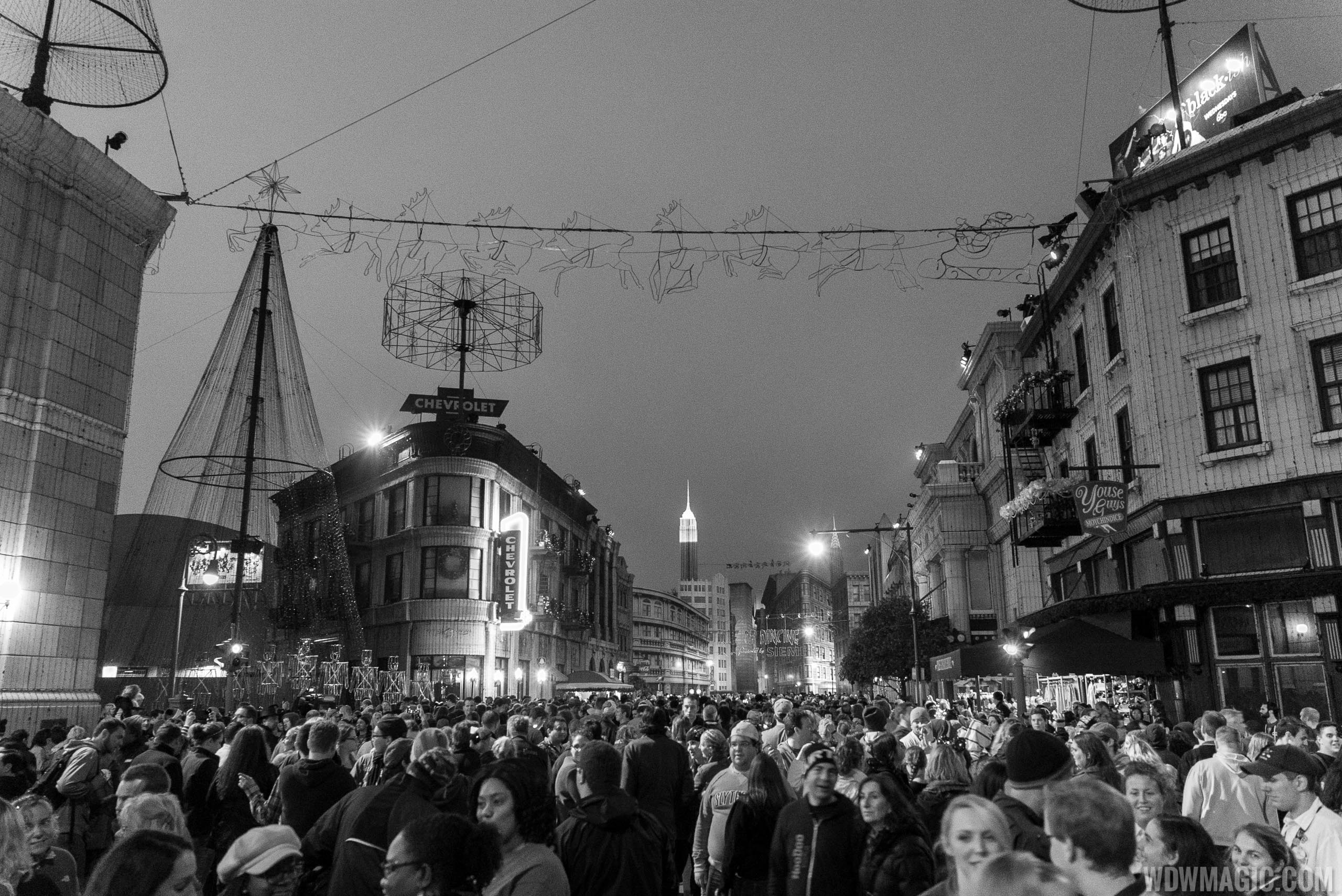 Crowds after the lights turn off for the final time