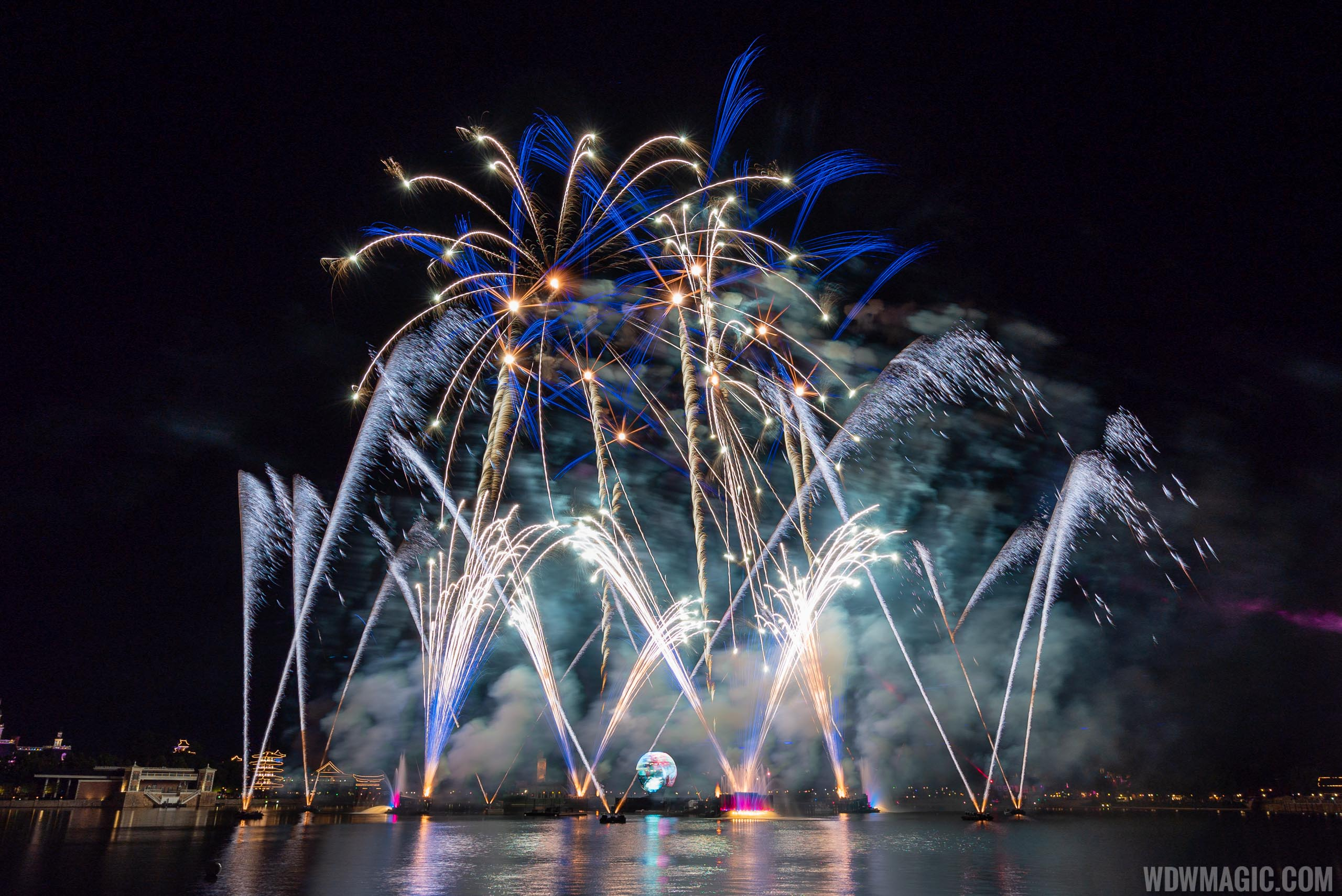 IllumiNations Reflections of Earth from Norway - September 2019