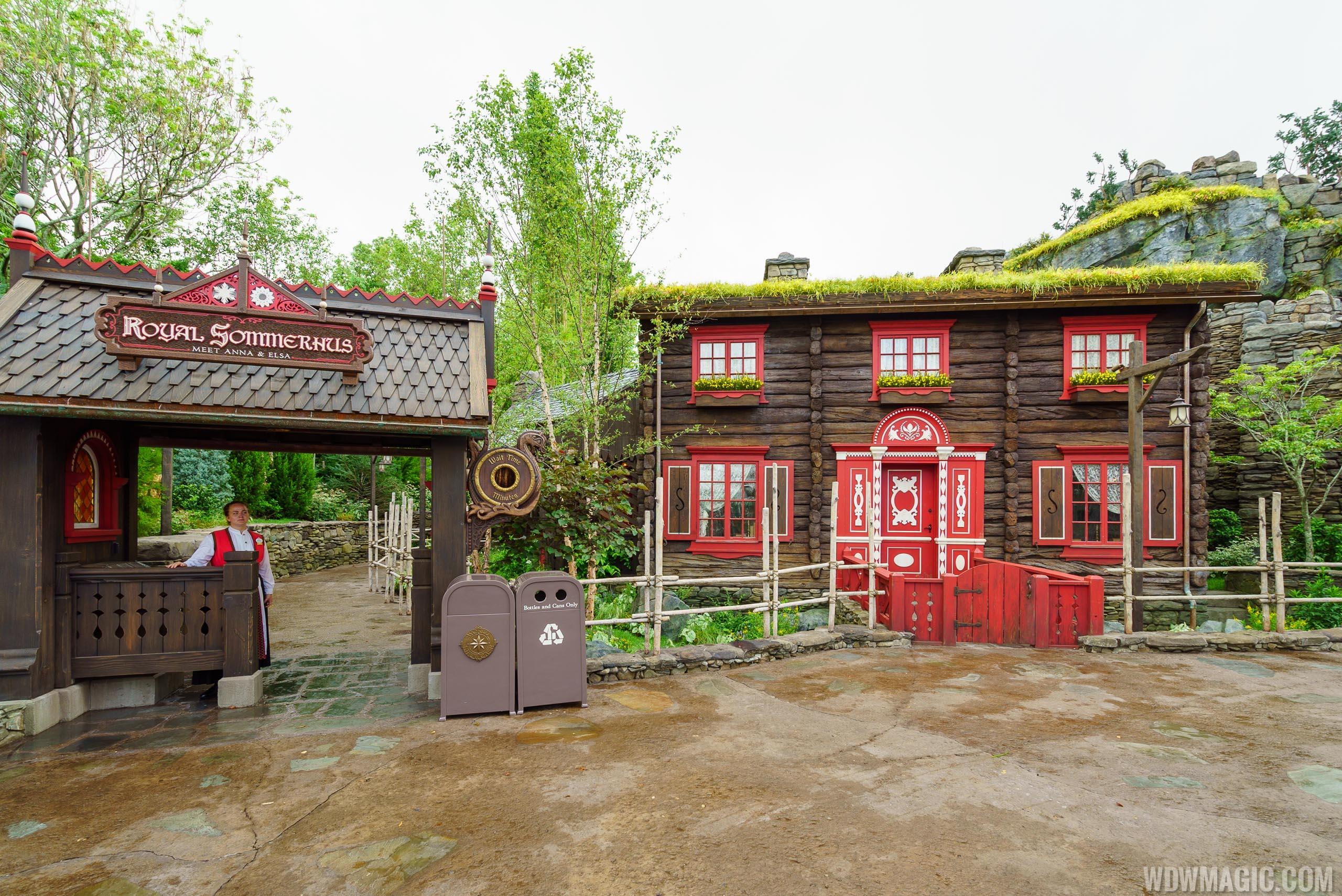 Royal Sommerhus entrance