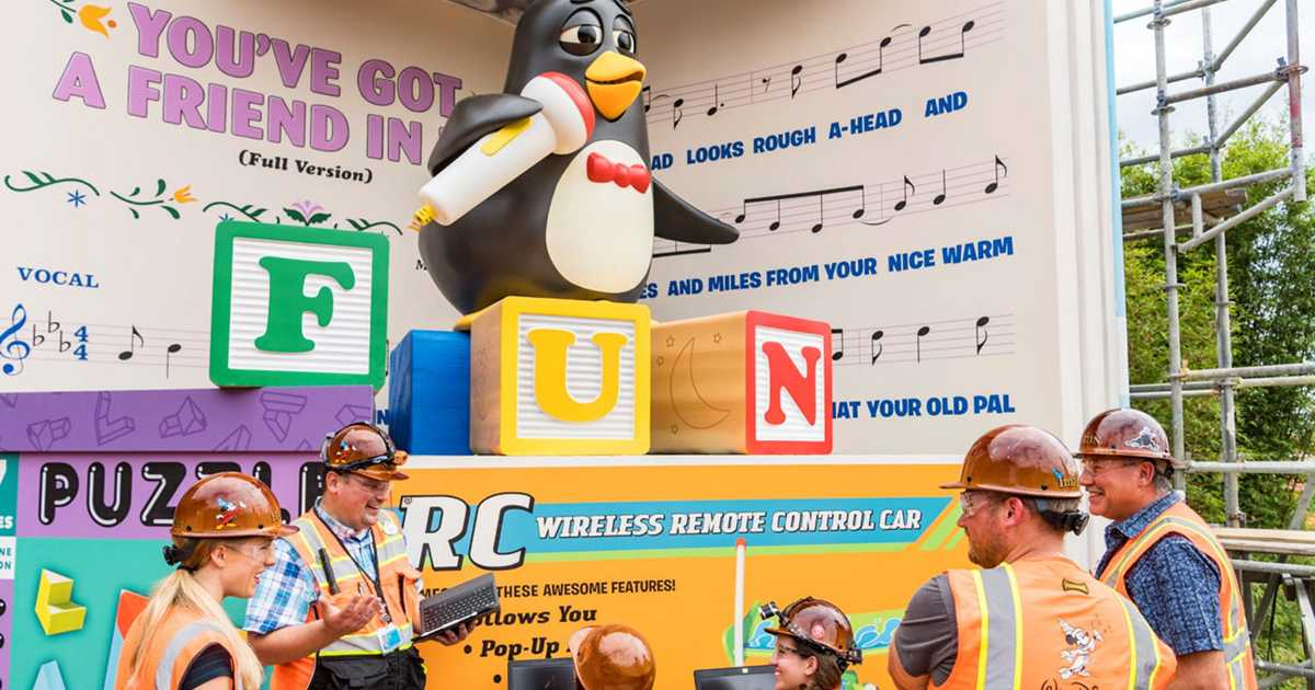 Disney Toy Story 3 Day Care Dash : Slinky dog dash