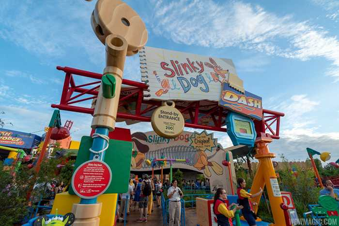 Slinky Dog Dash queue