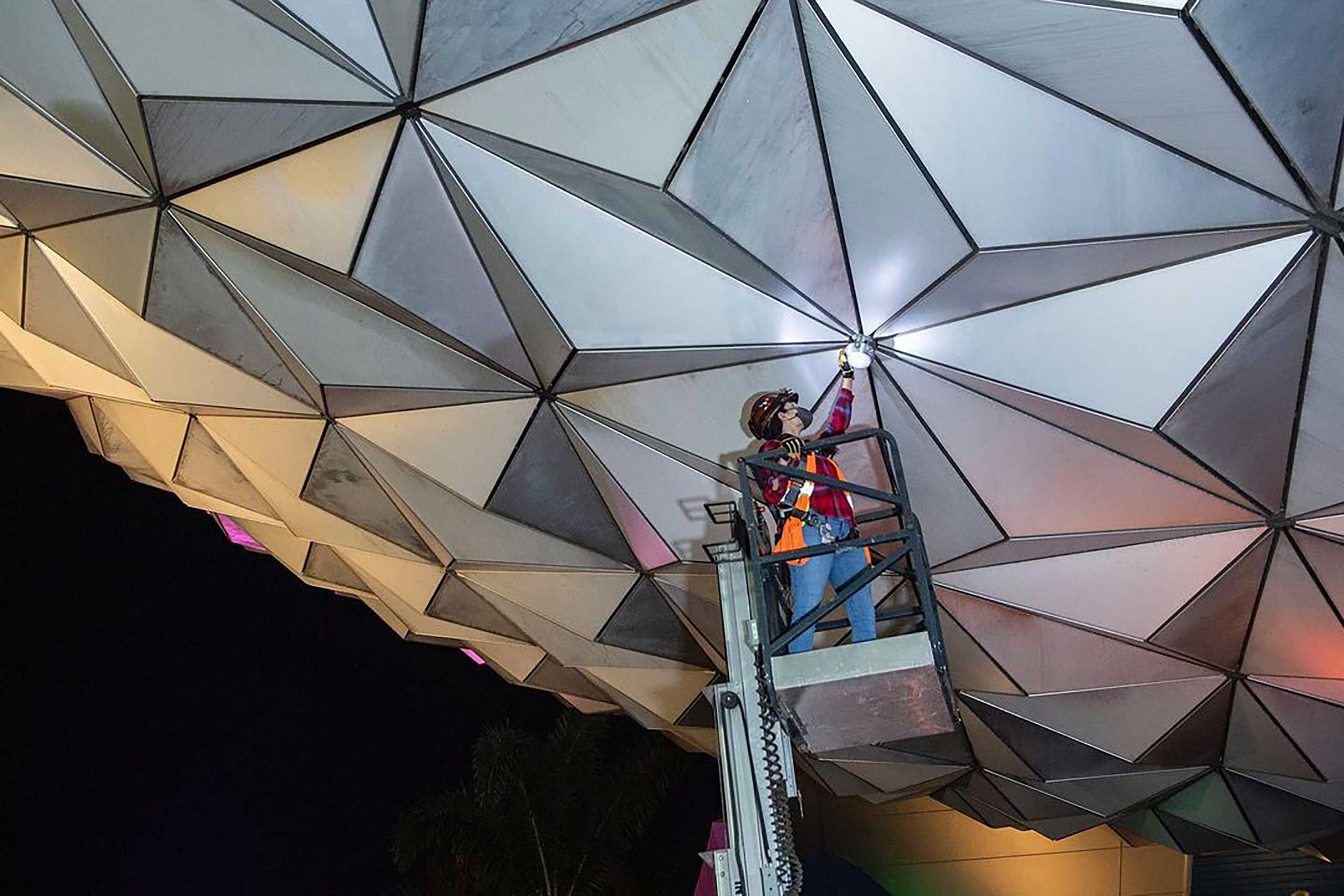 Spaceship Earth point of light install