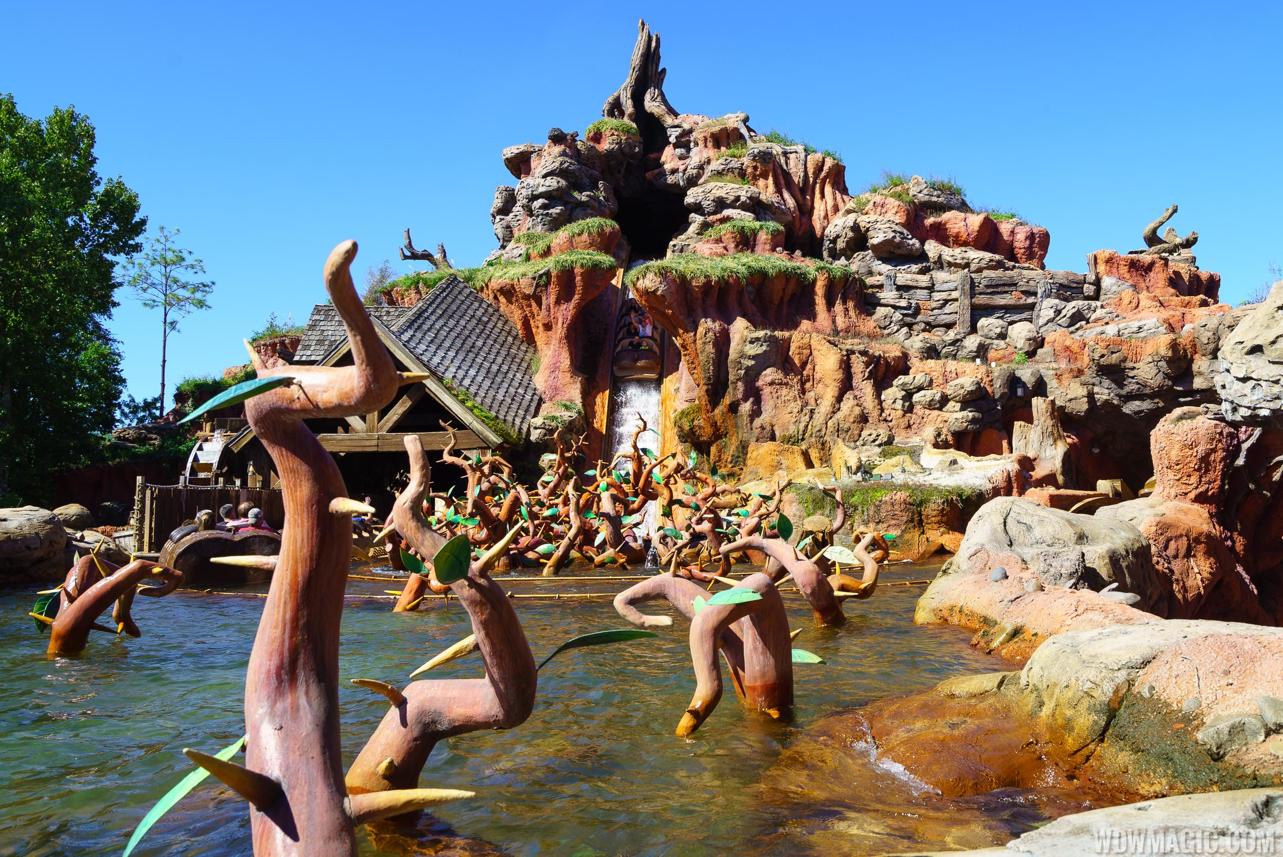 VIDEO - Take a ride-through of the refurbished Splash Mountain