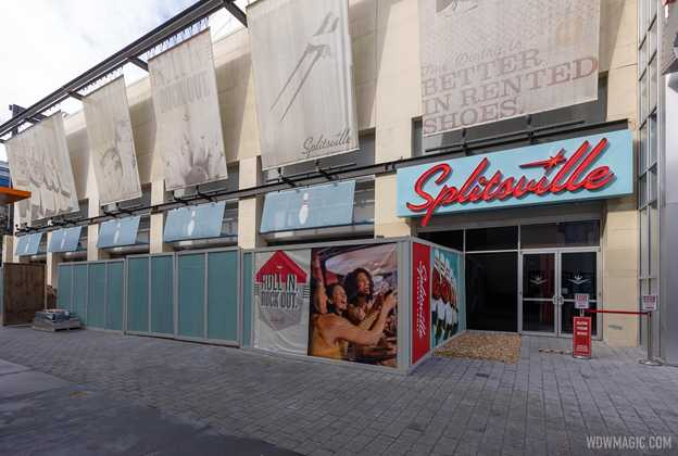 Splitsville Outdoor bar construction - December 10 2020