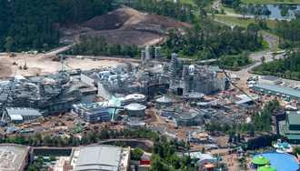 PHOTOS - Aerial views of Star Wars Galaxy's Edge construction
