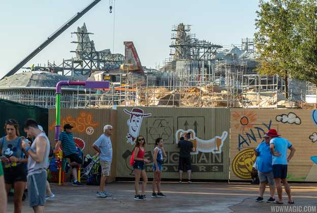 Star Wars Galaxy's Edge construction - details arrive