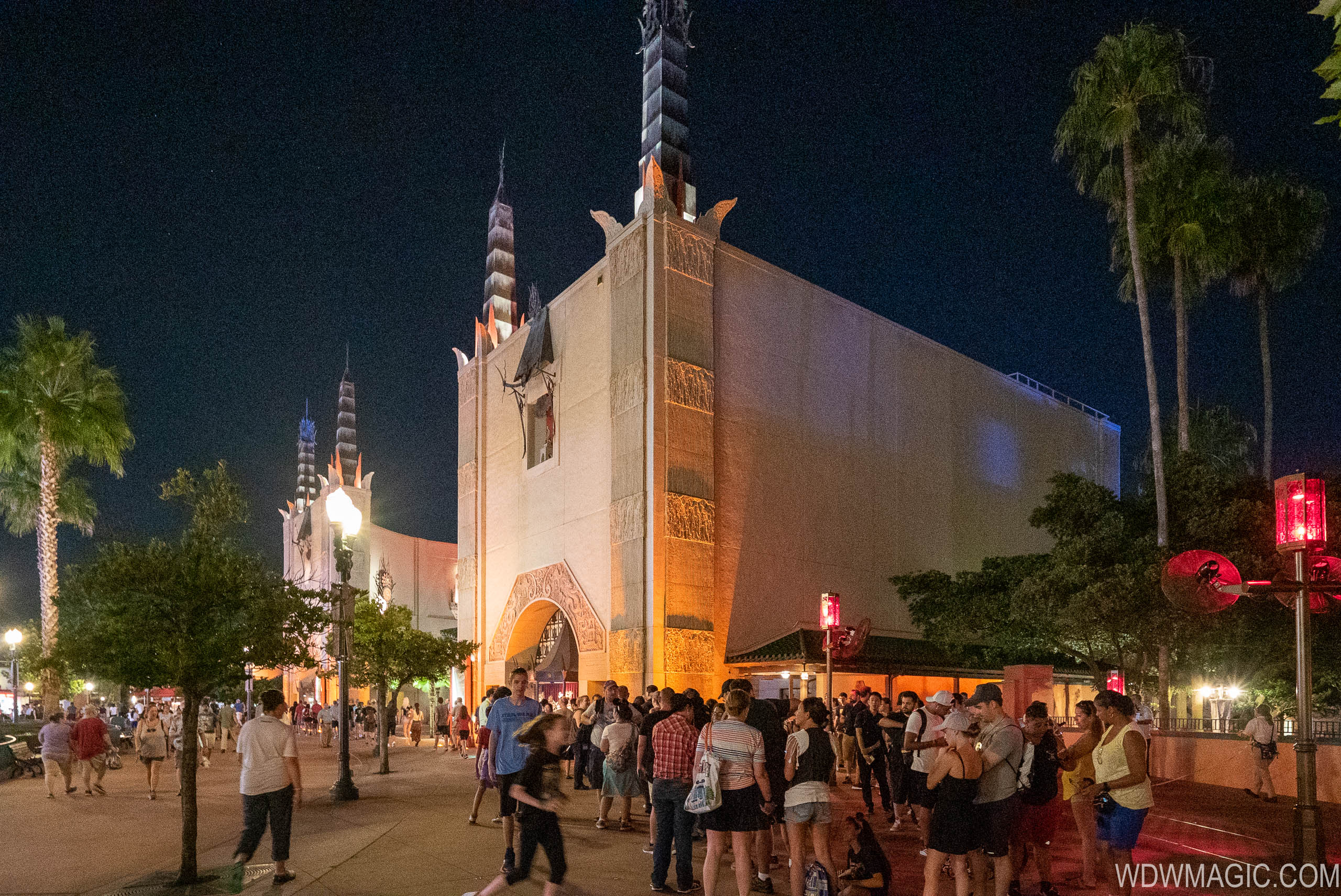 Star Wars Galaxy's Edge opening day crowds at Disney's Hollywood Studios