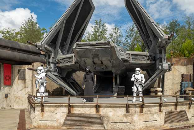 Star Wars Galaxy's Edge entertainment and characters - Summer 2020