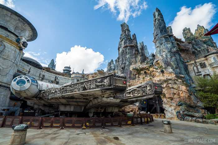 Star Wars Galaxy's Edge environment