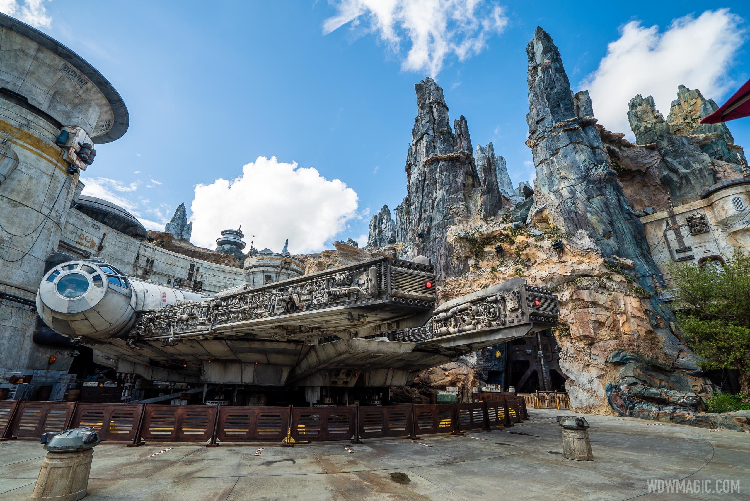 Star Wars Galaxy's Edge environment
