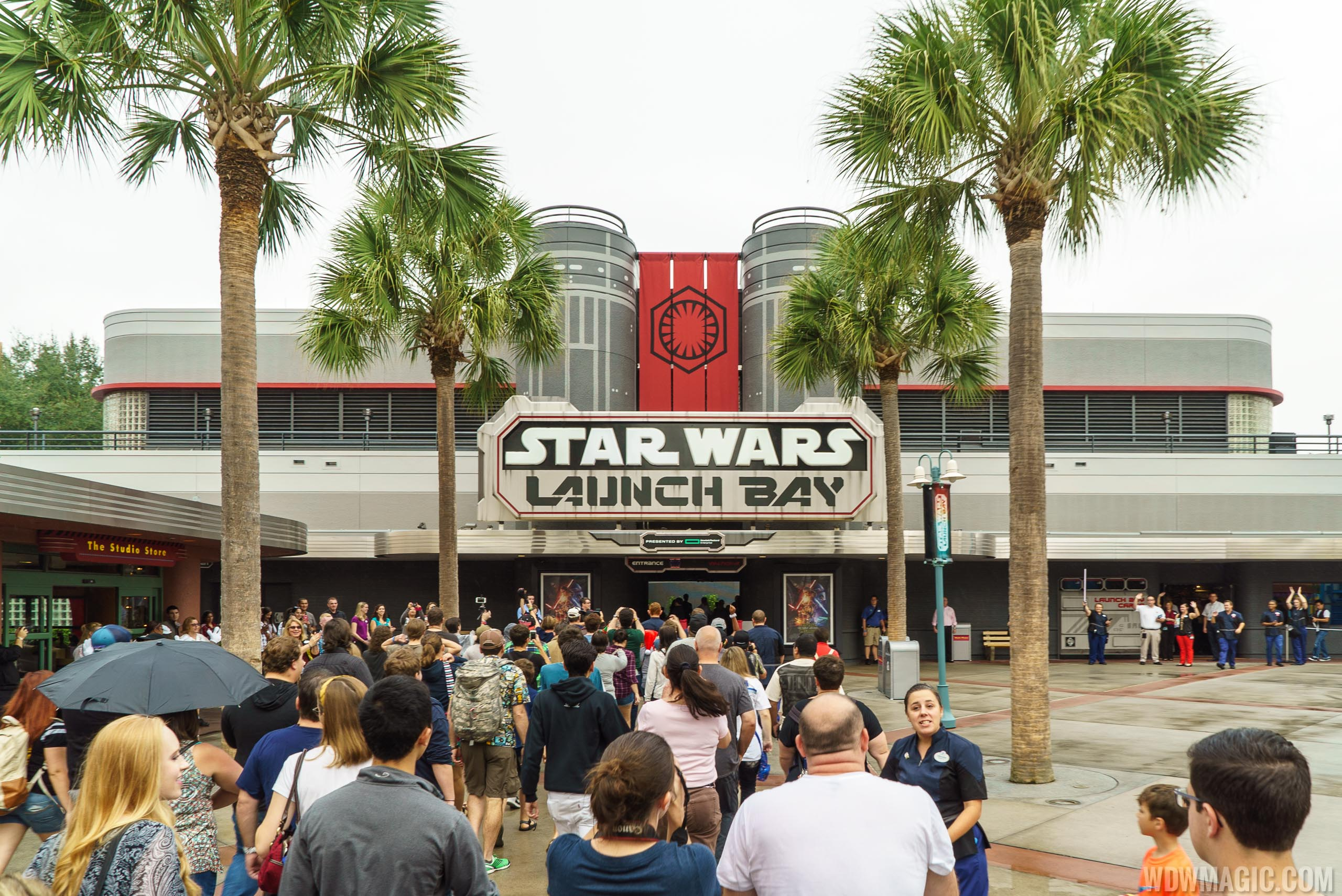 Star Wars Launch Bay - Opening Day
