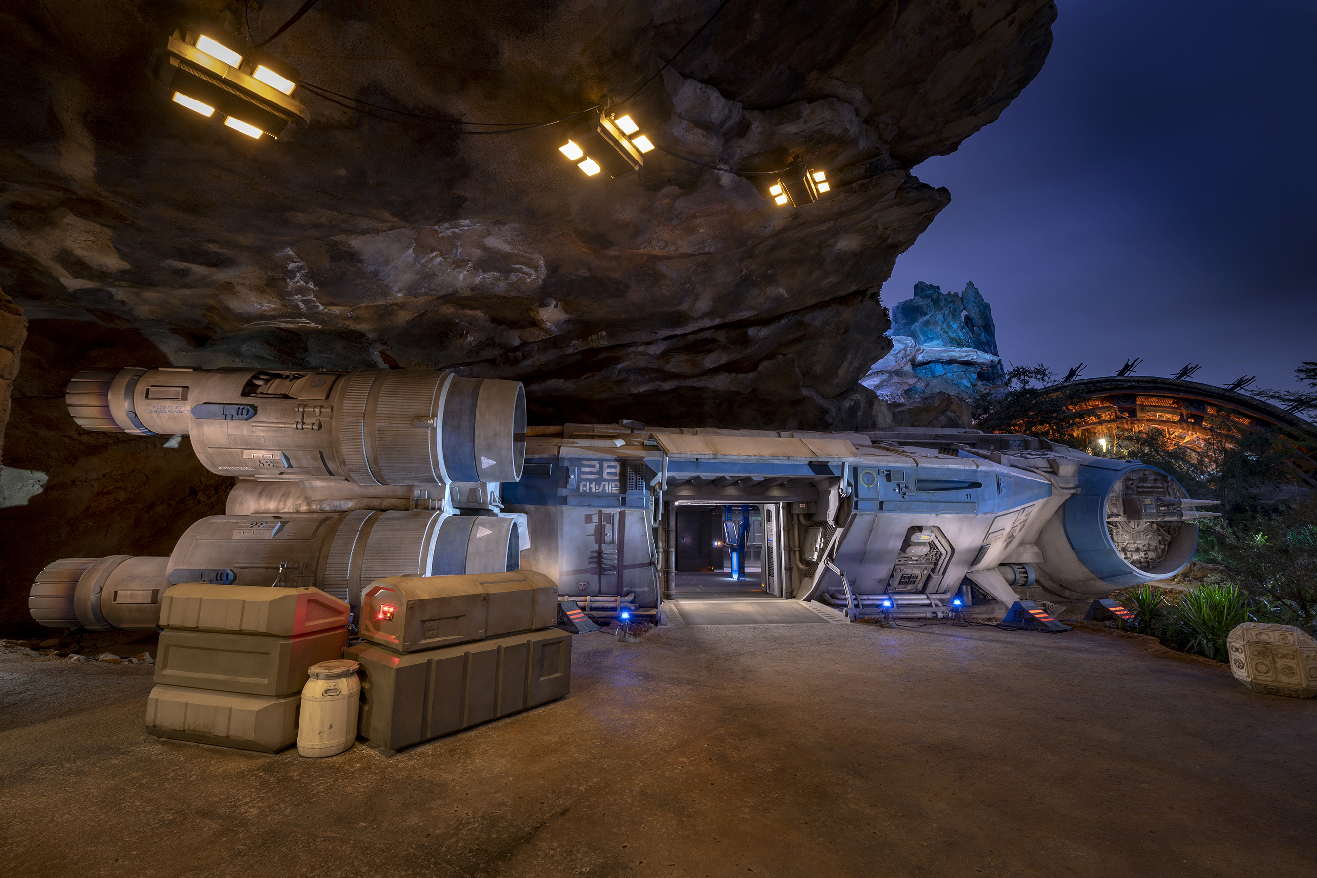 The I-TS, that takes you from the surface of Batuu into space
