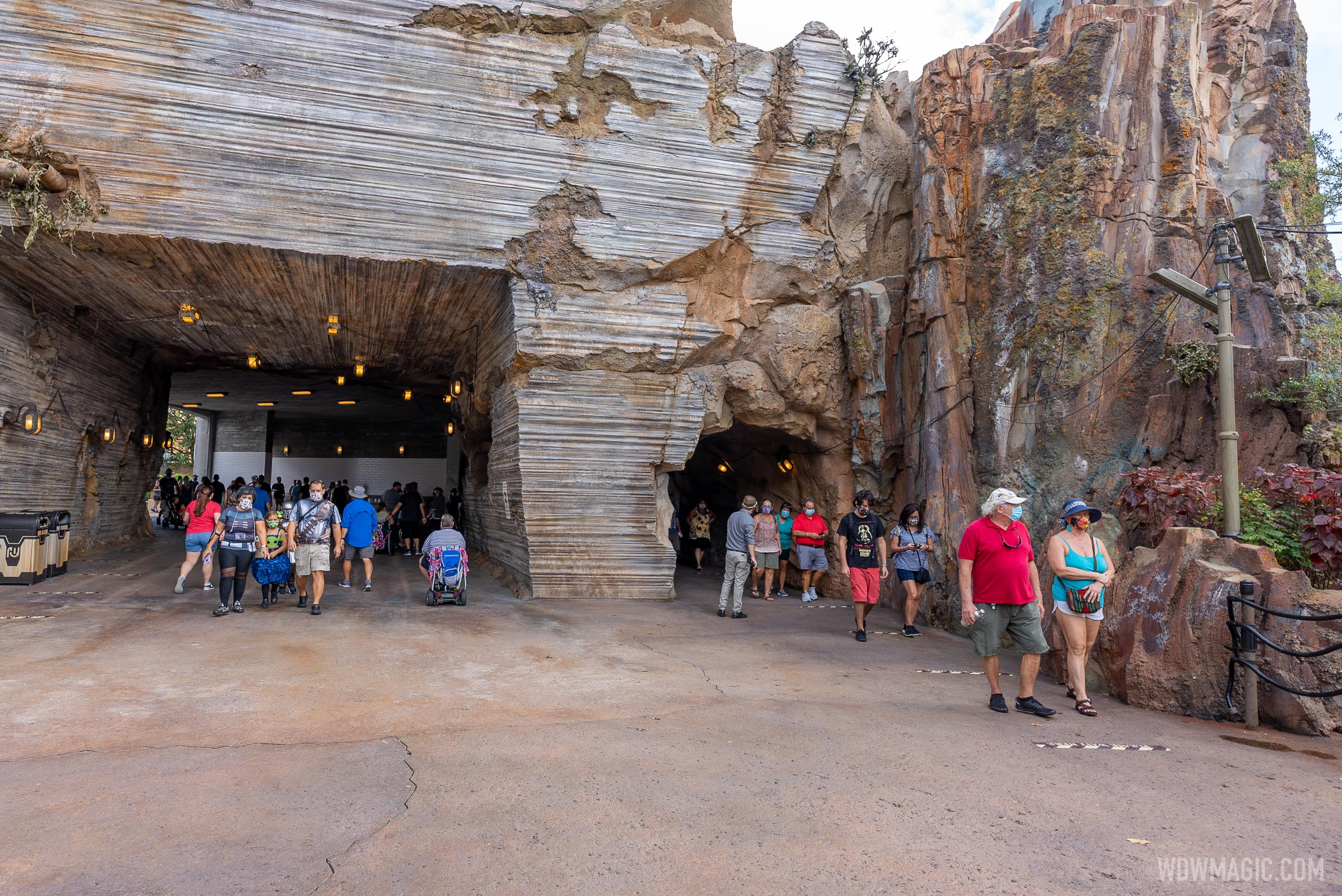 The lines start position varies but is often outside of Galaxy's Edge
