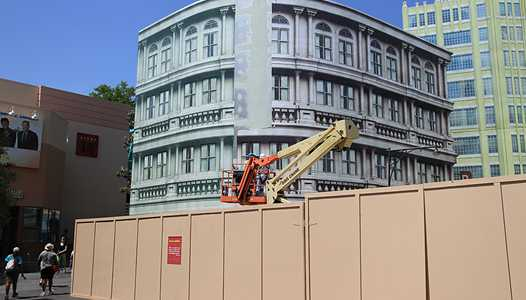 New York facade on Streets of America under refurbishment