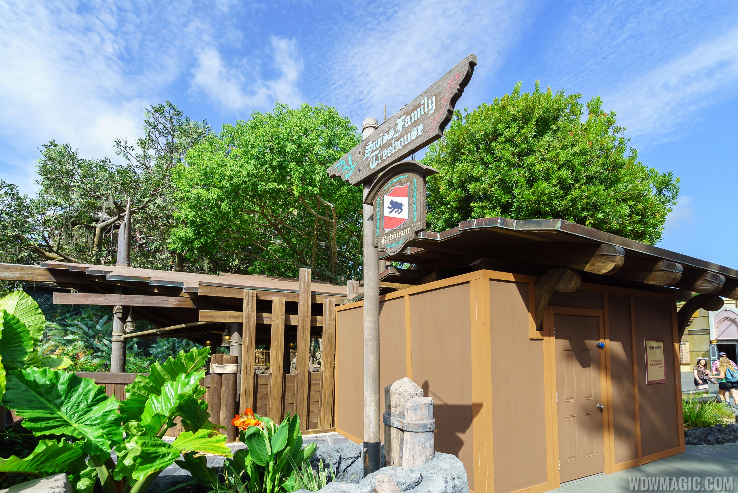 Swiss Family Robinson Tree house refurbishment extended