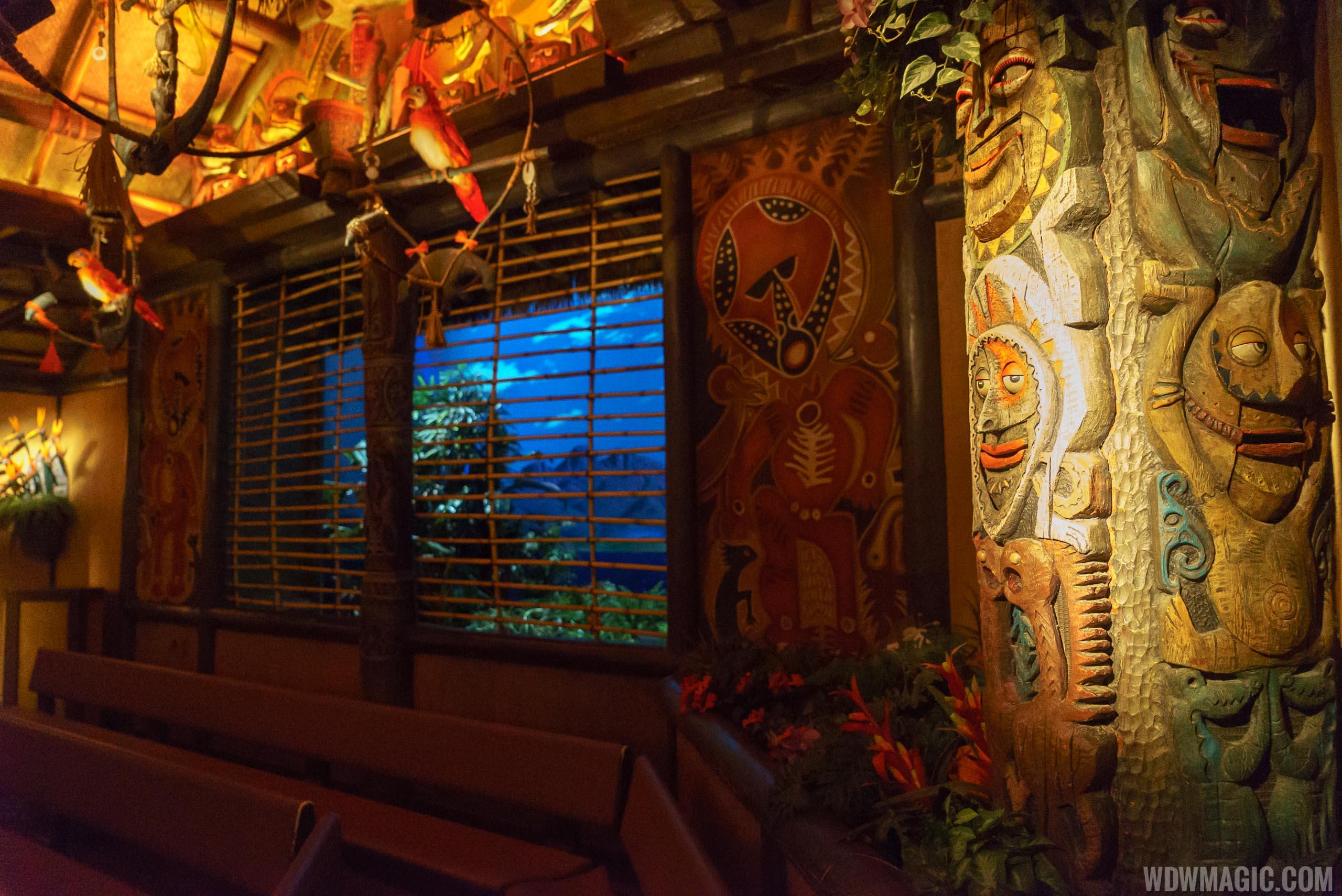 Walt Disney\'s Enchanted Tiki Room overview - Photo 15 of 18