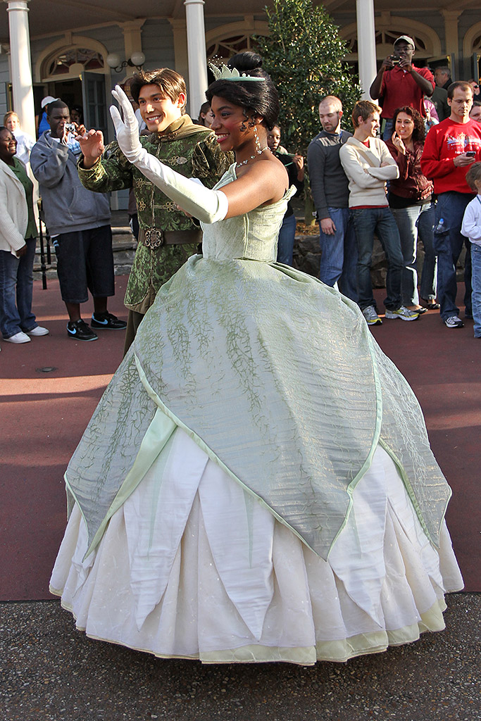 Princess and the Frog\' Tiana and Naveen meet and greet moves location