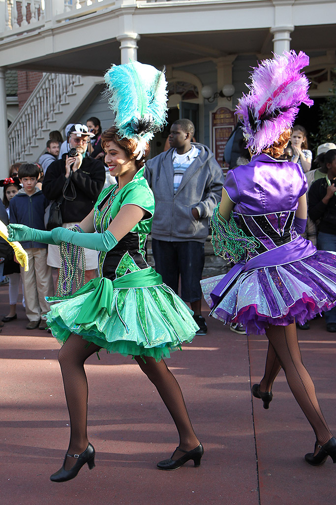 Tiana's Showboat Jubilee! - Liberty Square parade entrance