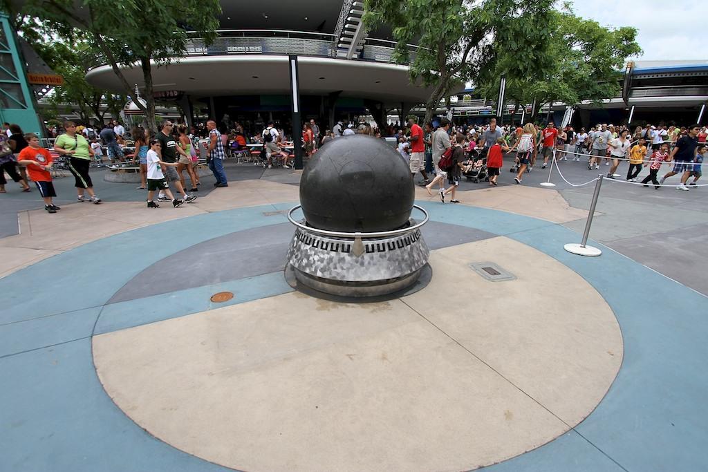 Granite globe return