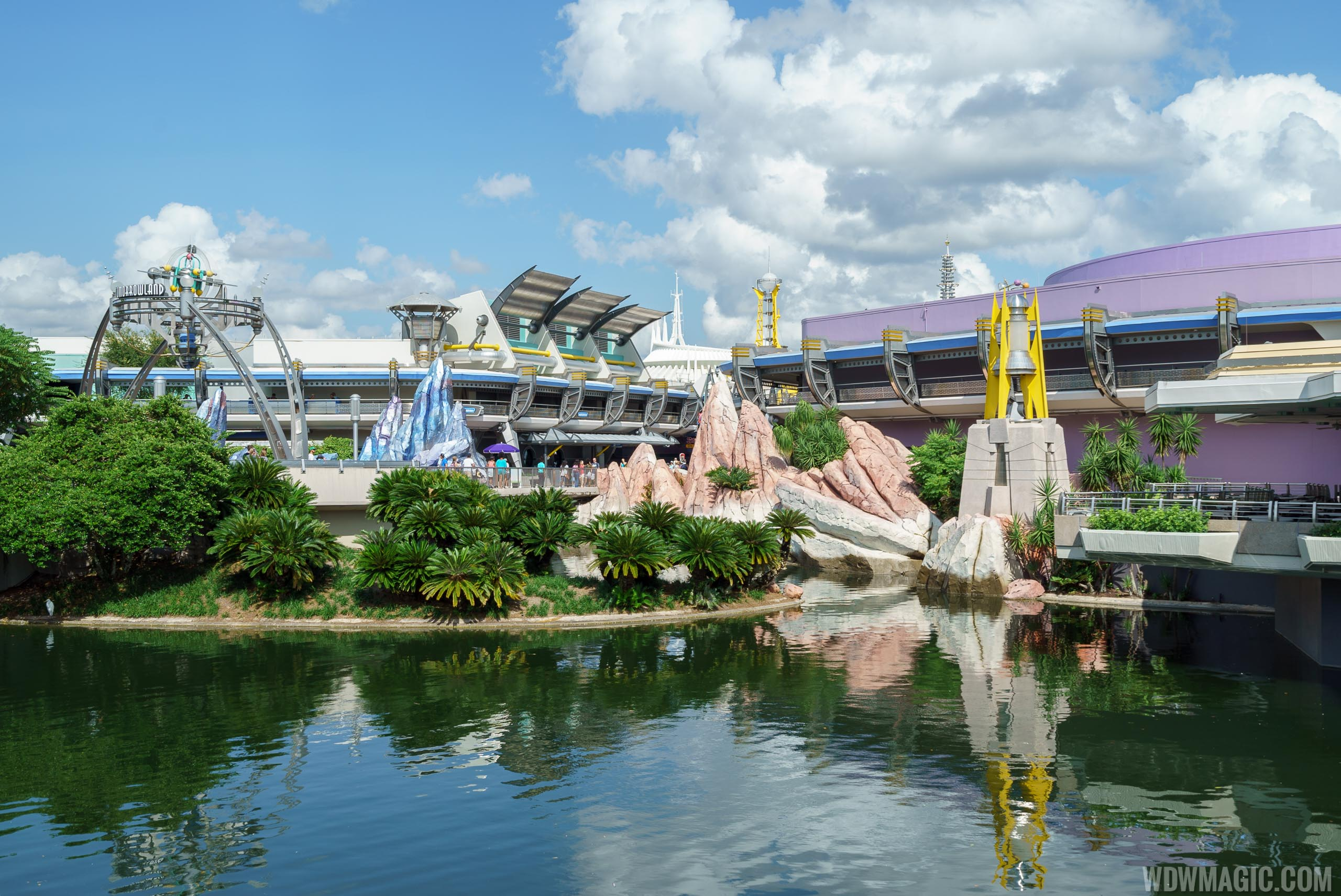 New Tomorrowland rock color scheme