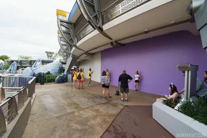 PHOTOS - Paint work underway in Tomorrowland as work on new color scheme begins