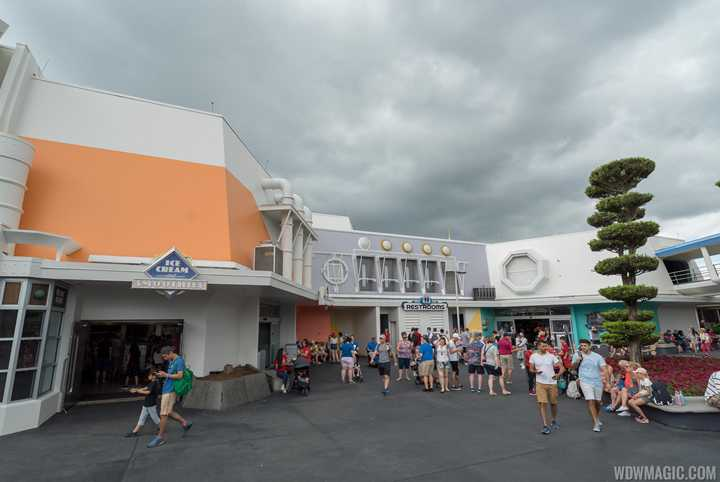 PHOTOS - New color scheme at Tomorrowland continues around the Mickey's Star Traders area