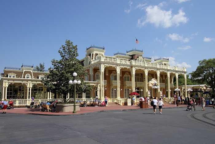 Town Square Theater exterior refurbishment work complete