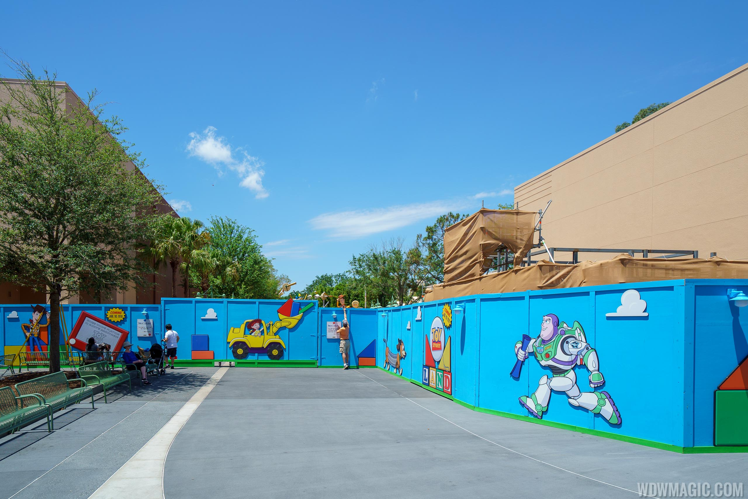 The entrance to Toy Story Land