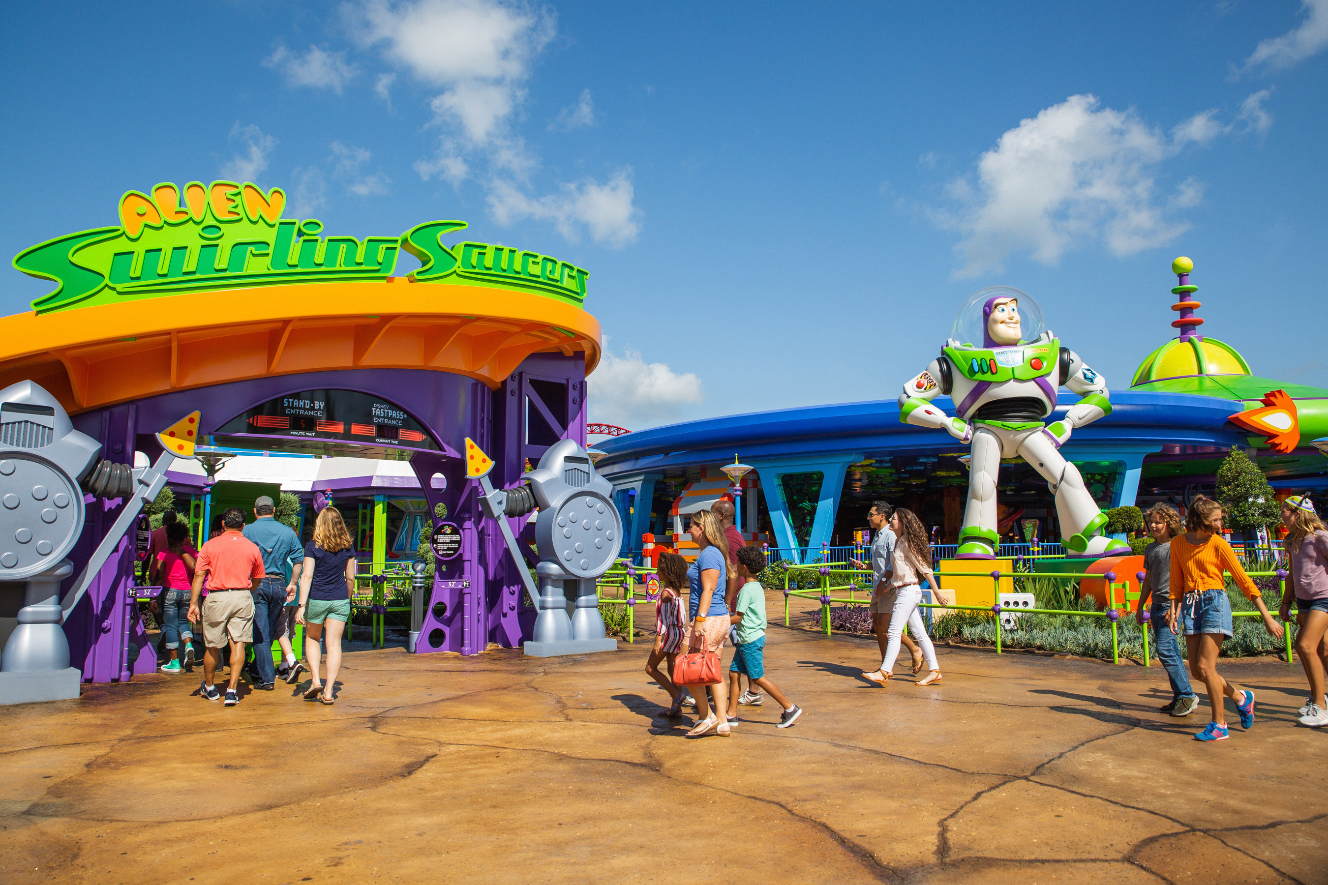 Alien Swirling Saucers attraction entrance