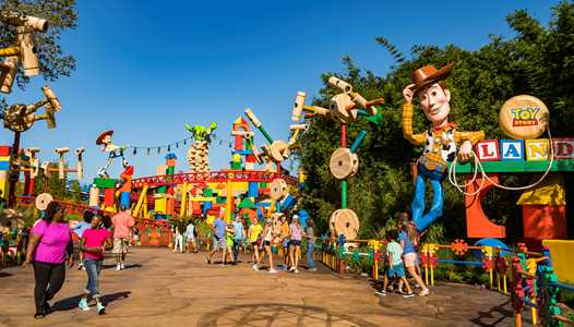 PHOTOS - Take a tour through Toy Story Land