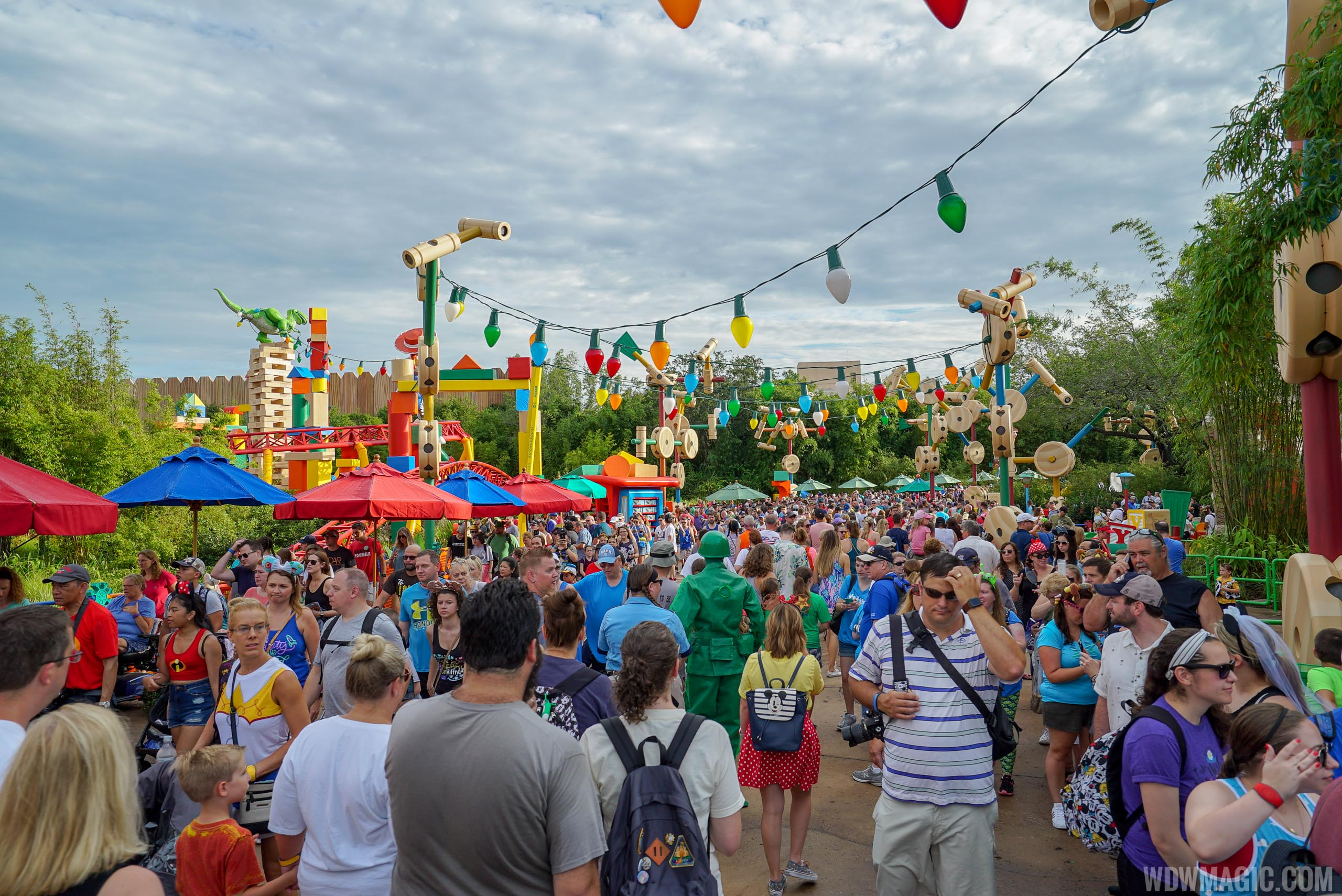Toy Story Land at capacity