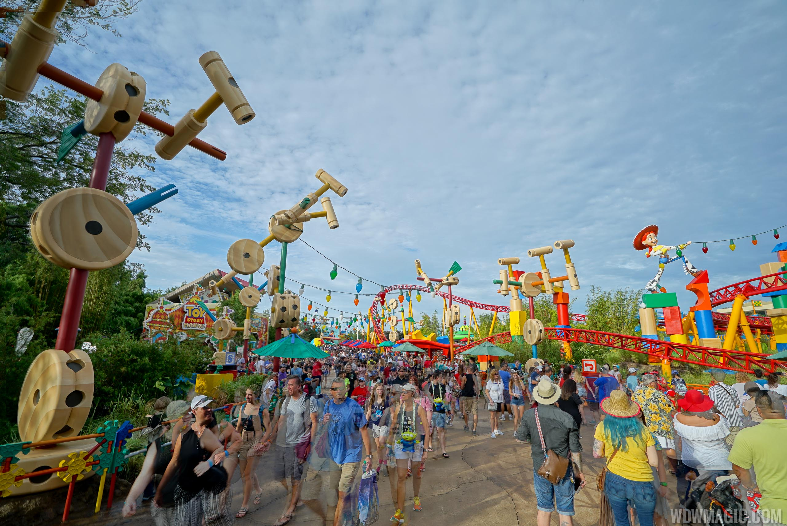 Toy Story Land opening day crowds
