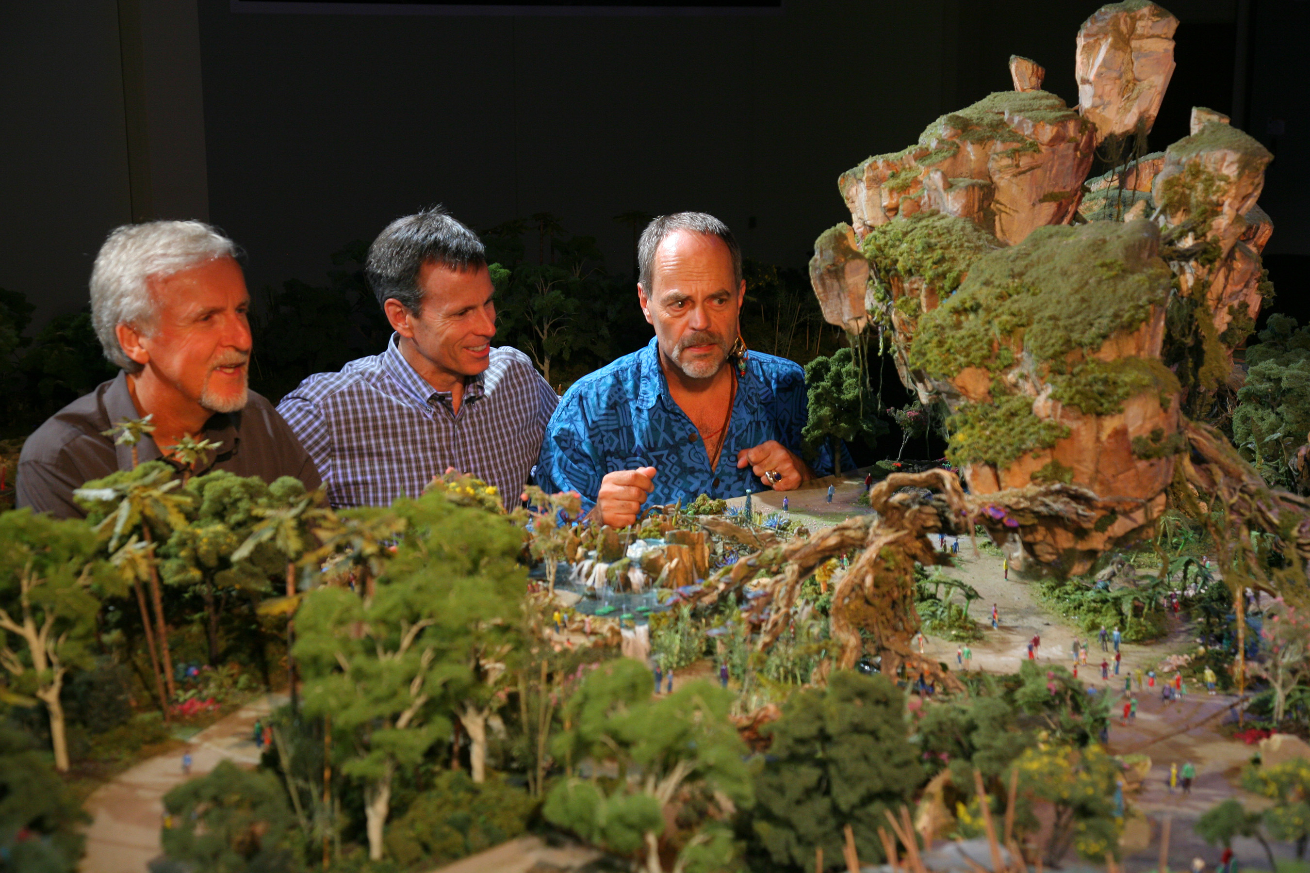 AVATAR project model at Walt Disney Imagineering with Joe Rohde, Tom Staggs and James Cameron