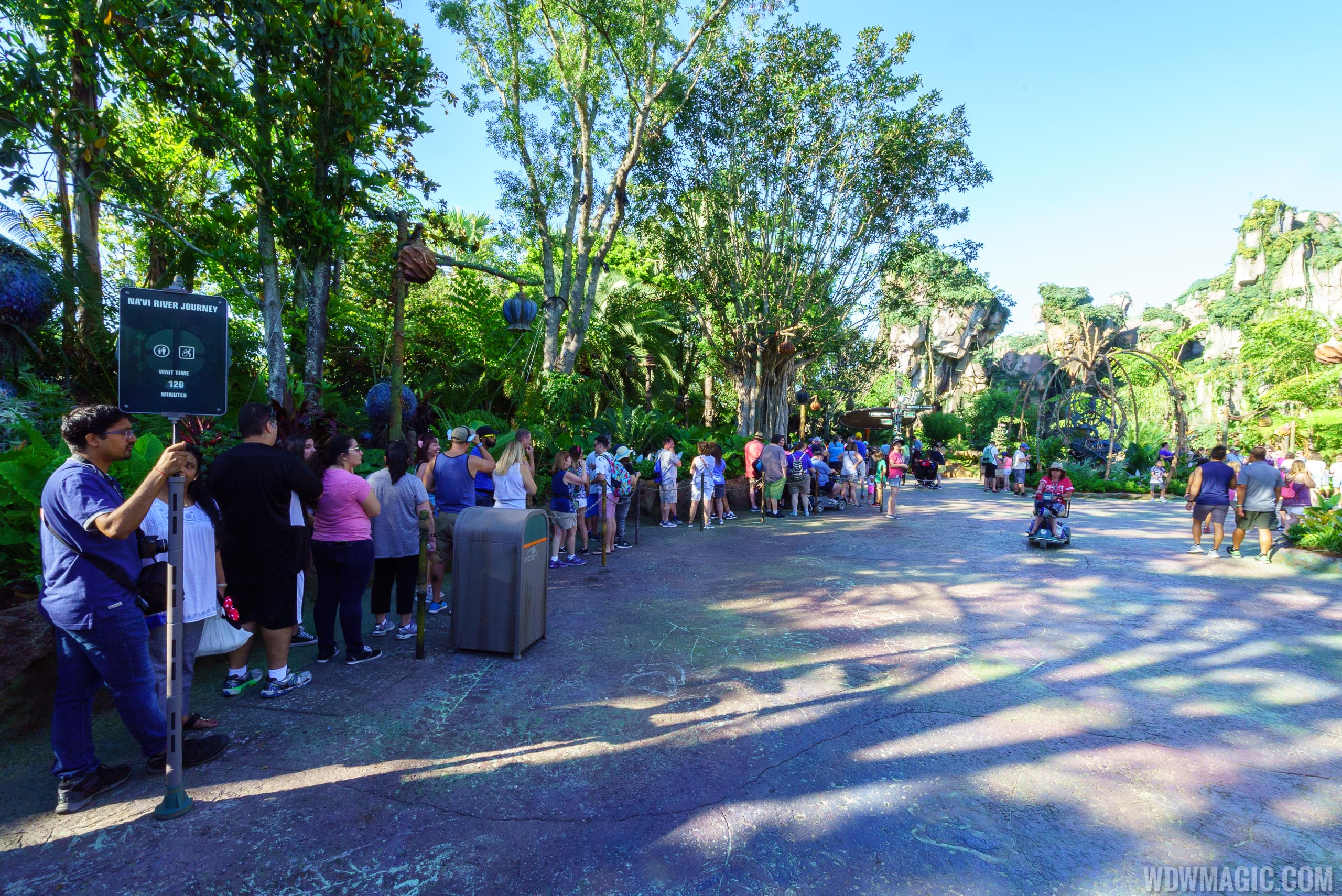 Guests in line for Na'vi River Journey