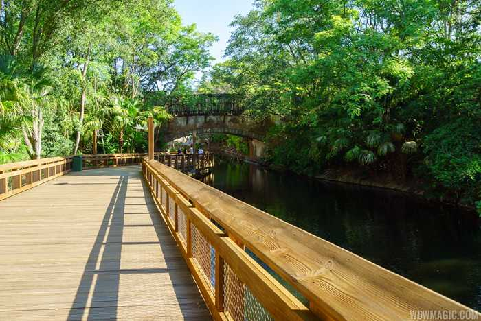 Walkway from Pandora to Harambe