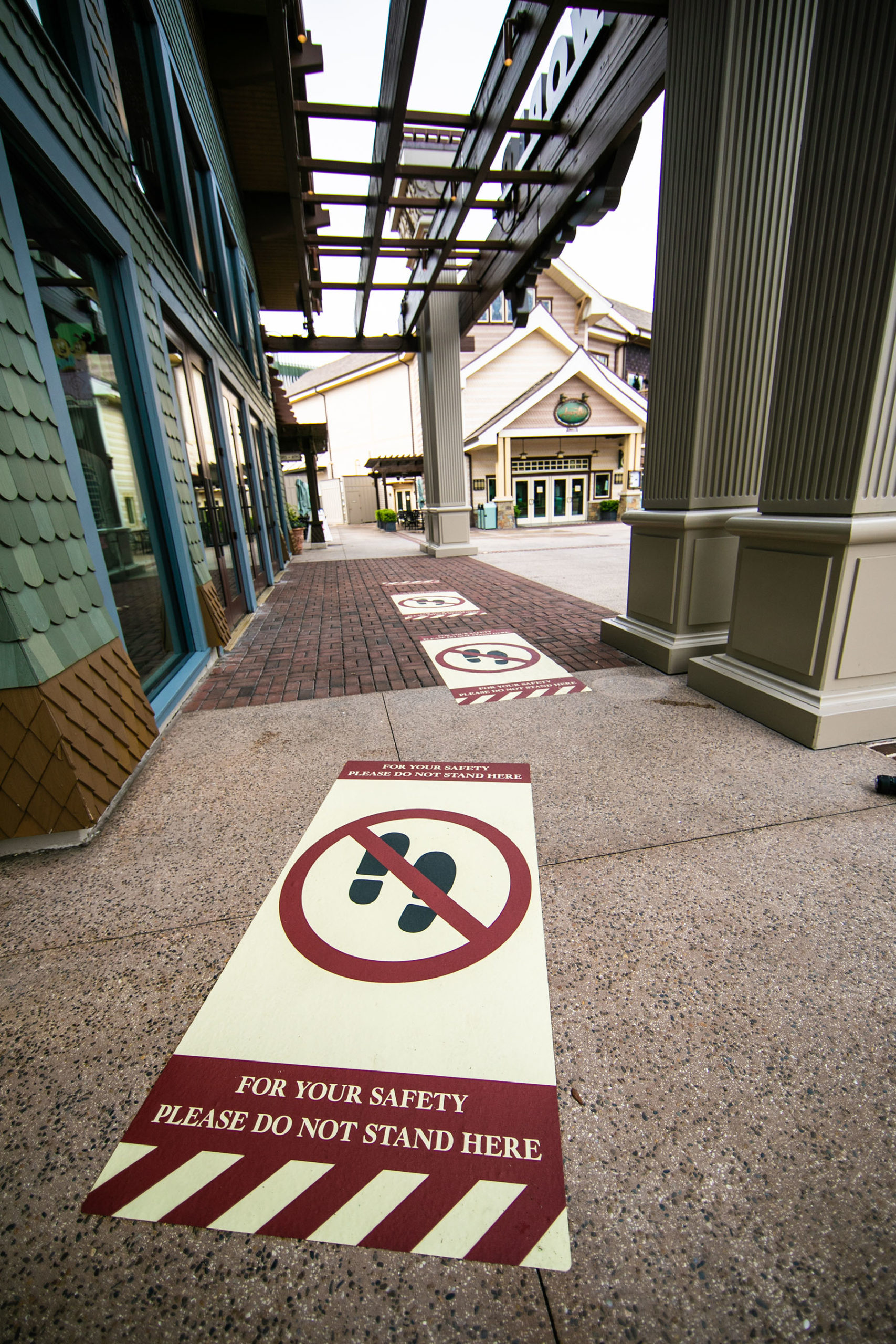 Disney Springs COVID-19 containment measures