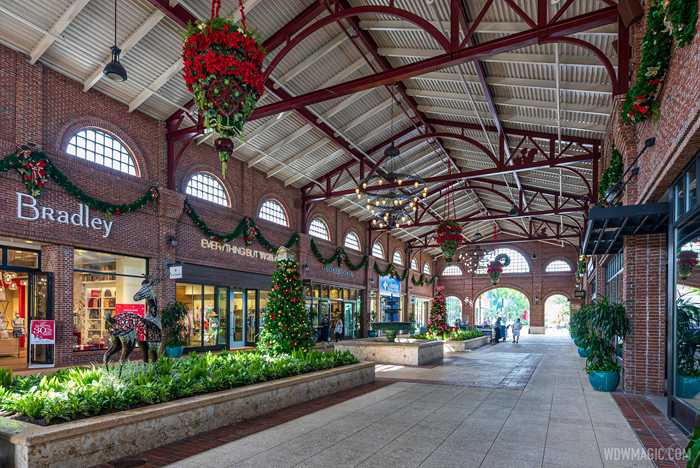 Disney Springs Christmas holiday decor 2020