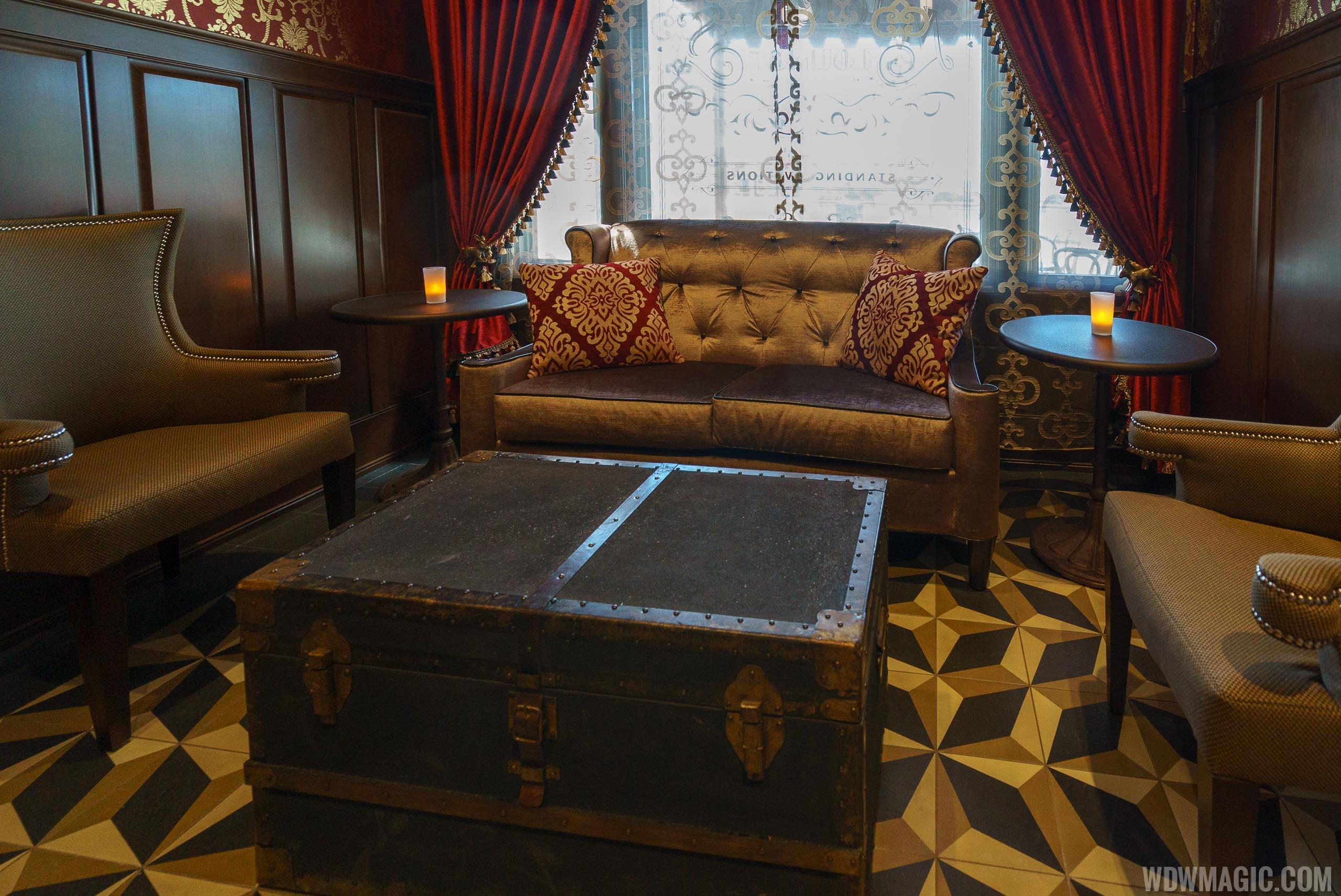AbracadaBAR seating