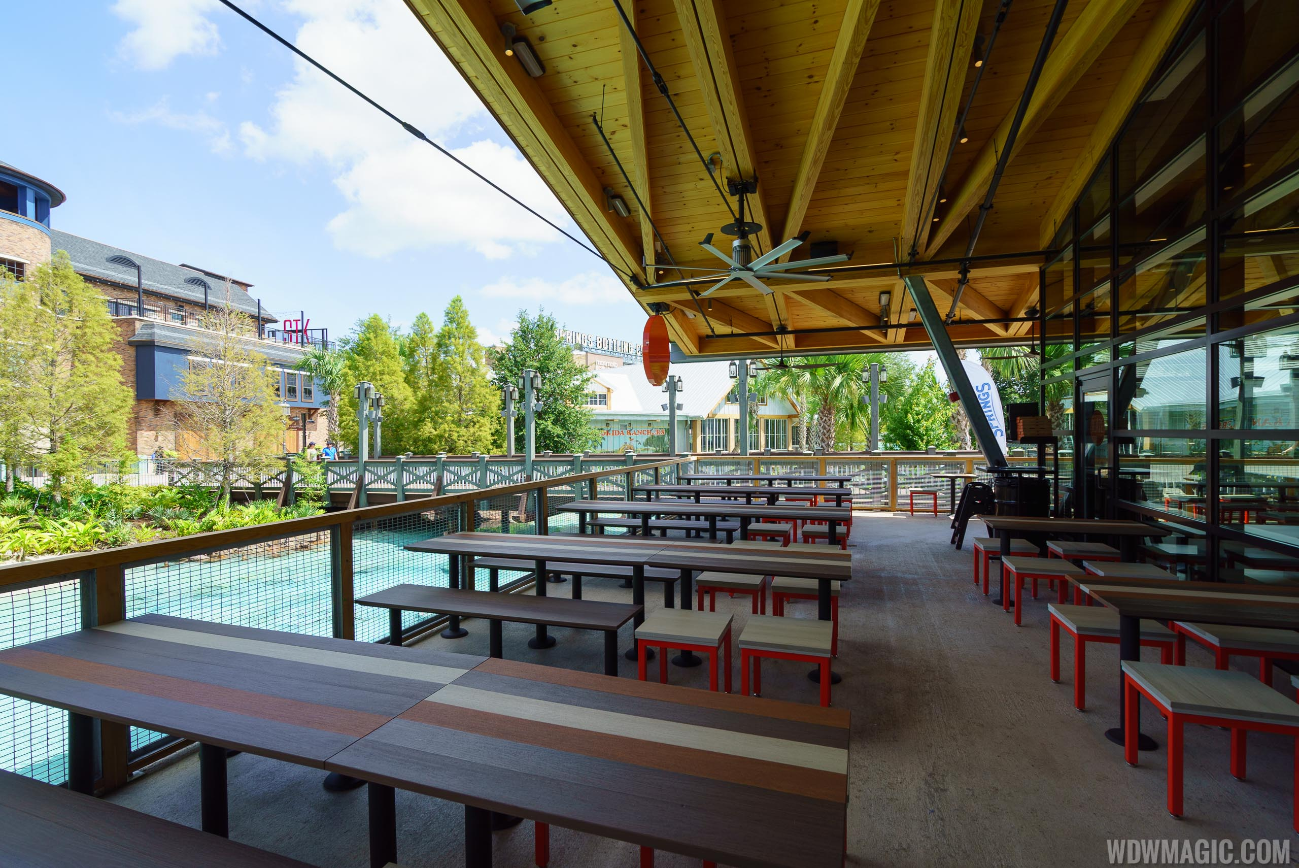 Disney Springs Blaze Pizza outdoor seating