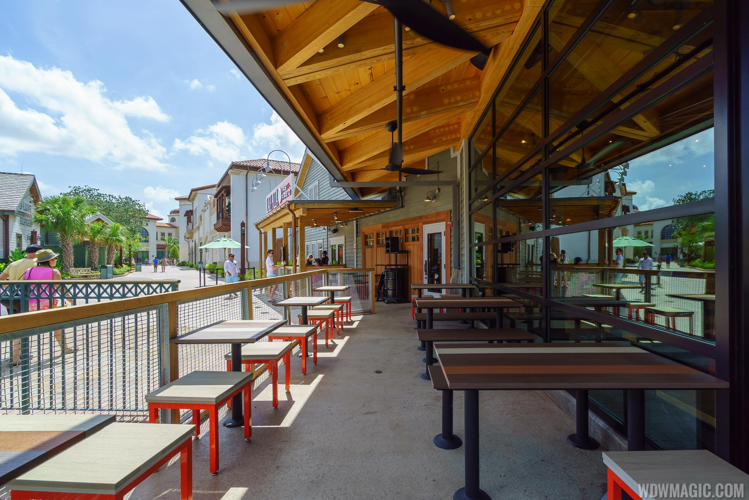Blaze Pizza outdoor seating