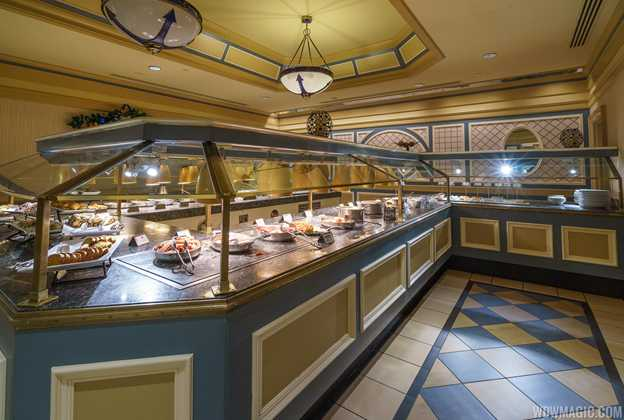 Captain's Grille breakfast buffet