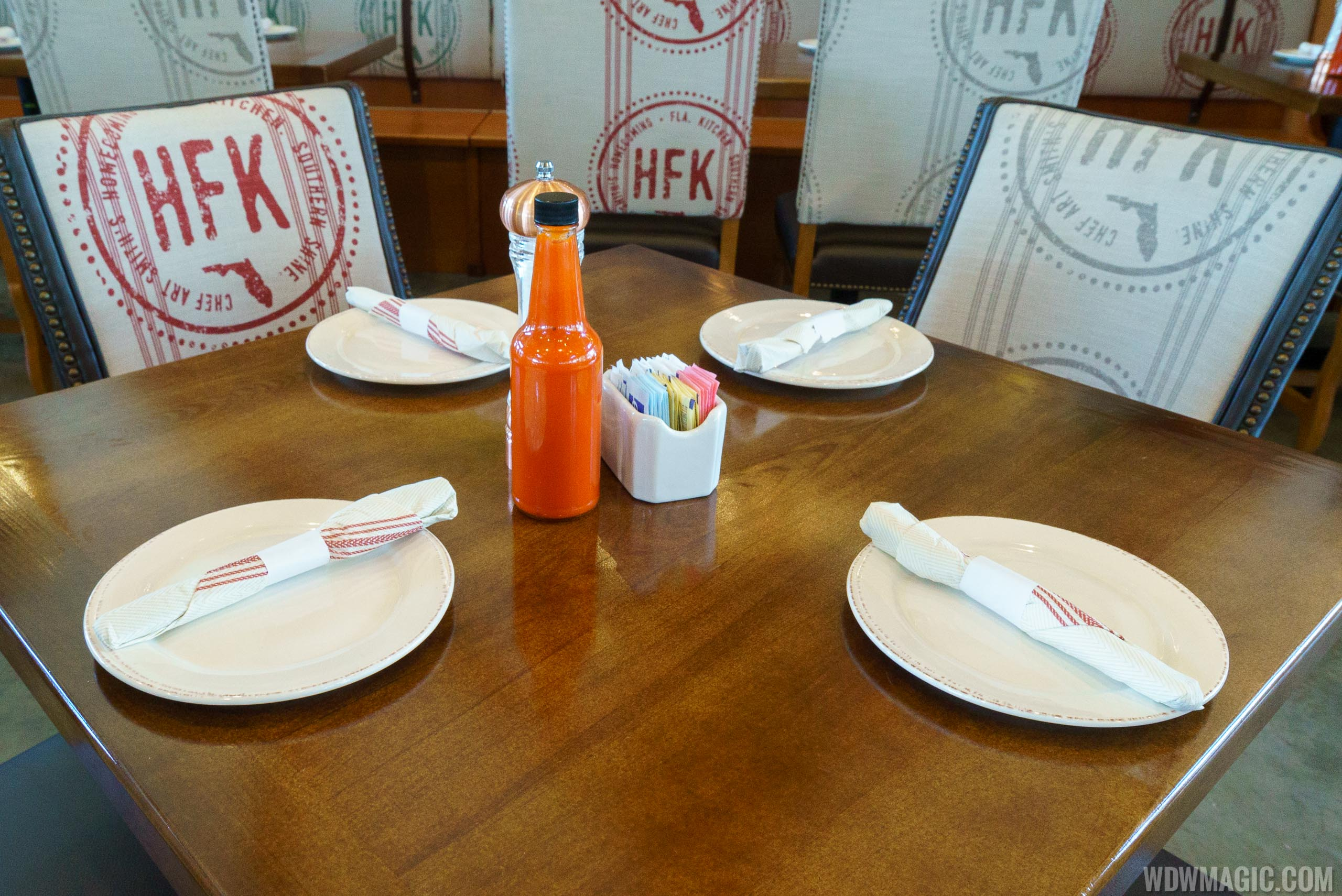 Homecoming restaurant - Table set