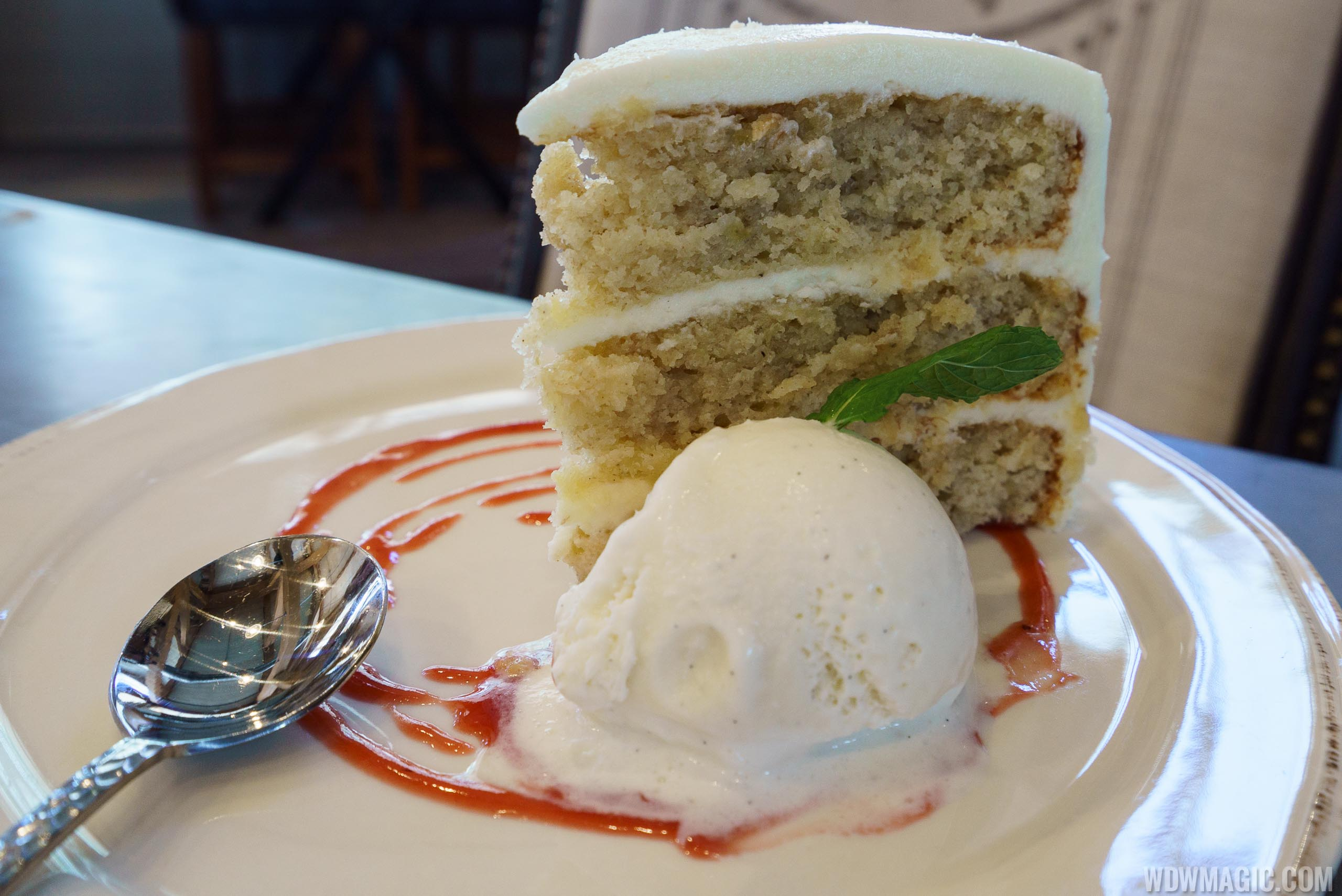 Homecoming restaurant - Hummingbird Cake