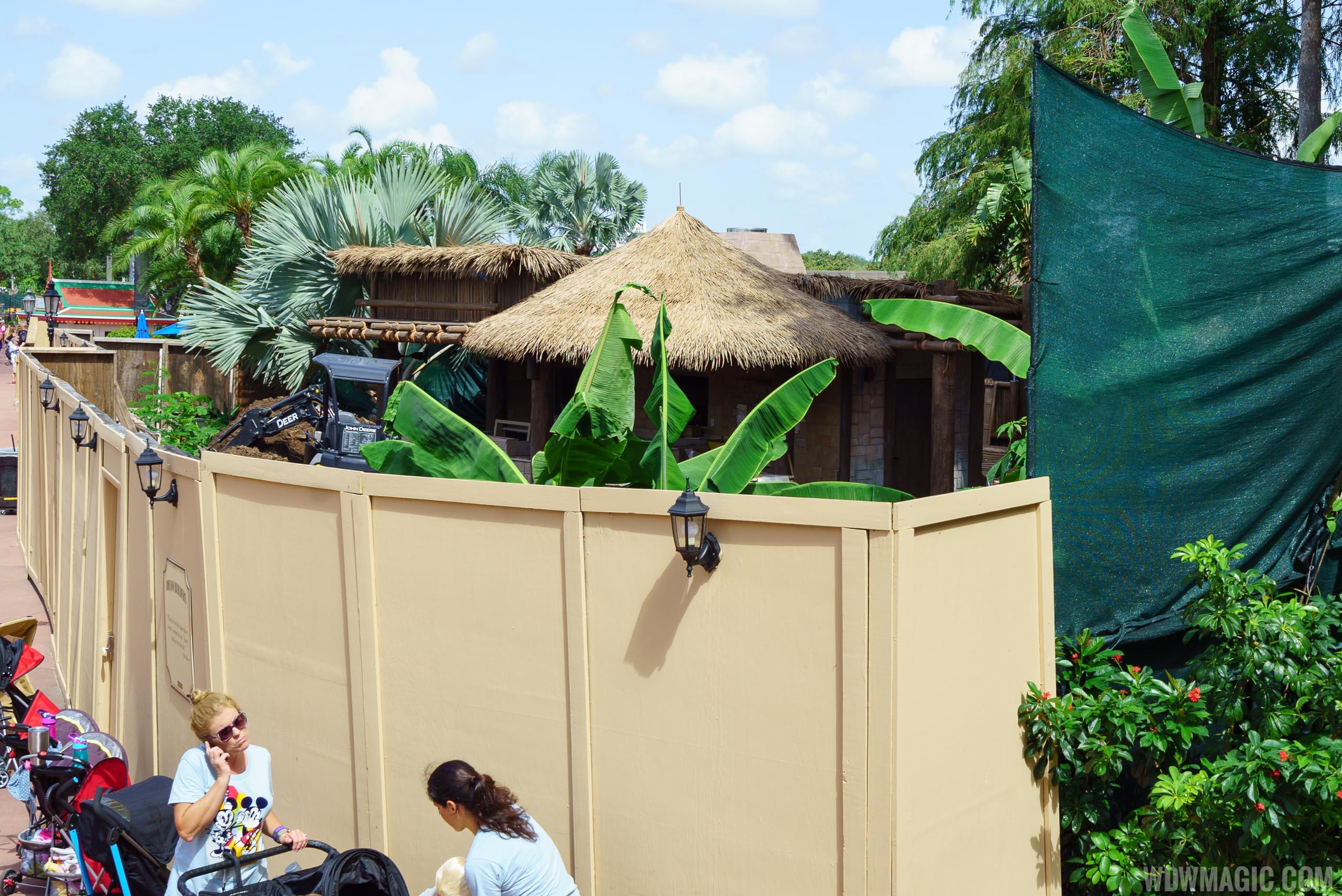 Choza de Margarita kiosk under construction in August