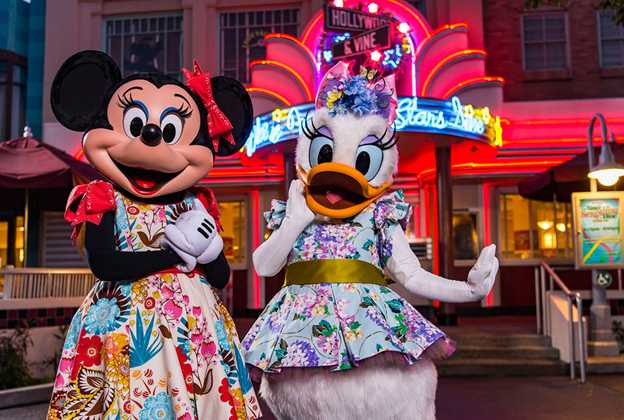 Minnie's Springtime Dine characters