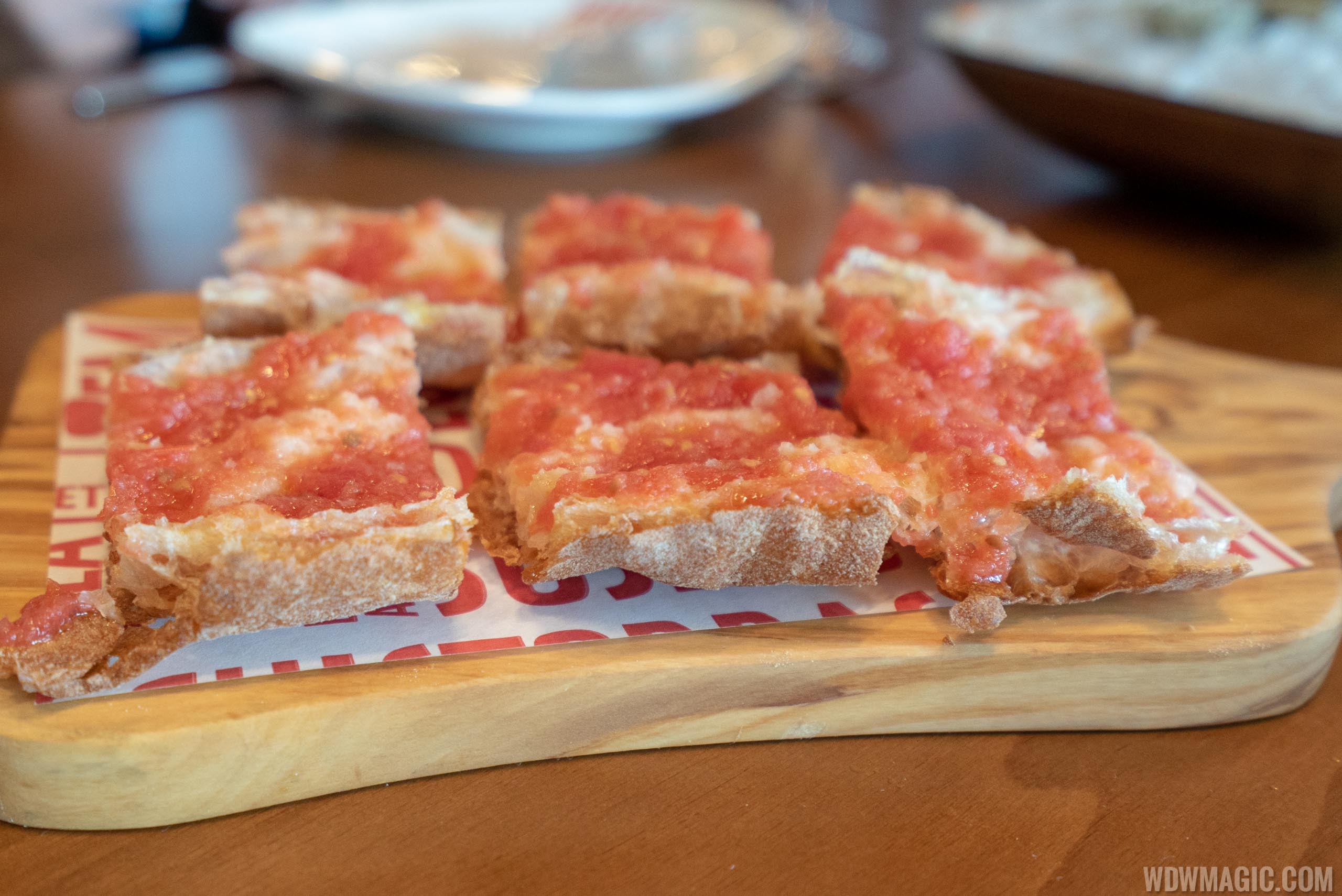 Chef's tasting menu: José's Way - Toasted slices of uniquely crispy and ethereal bread brushed with fresh tomato