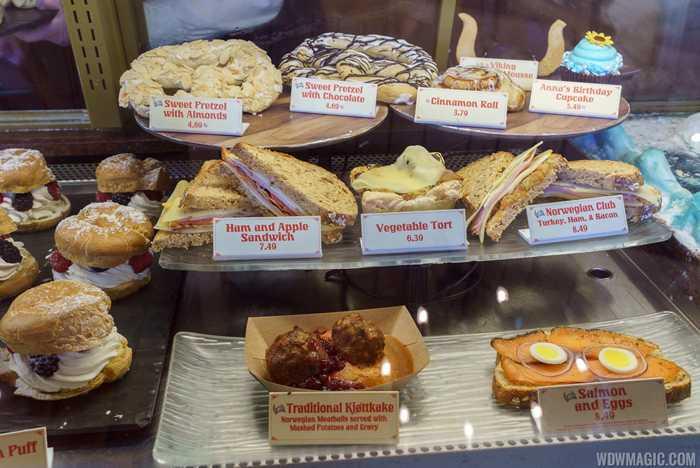 Kringla-Bakeri-Og-Kafe food