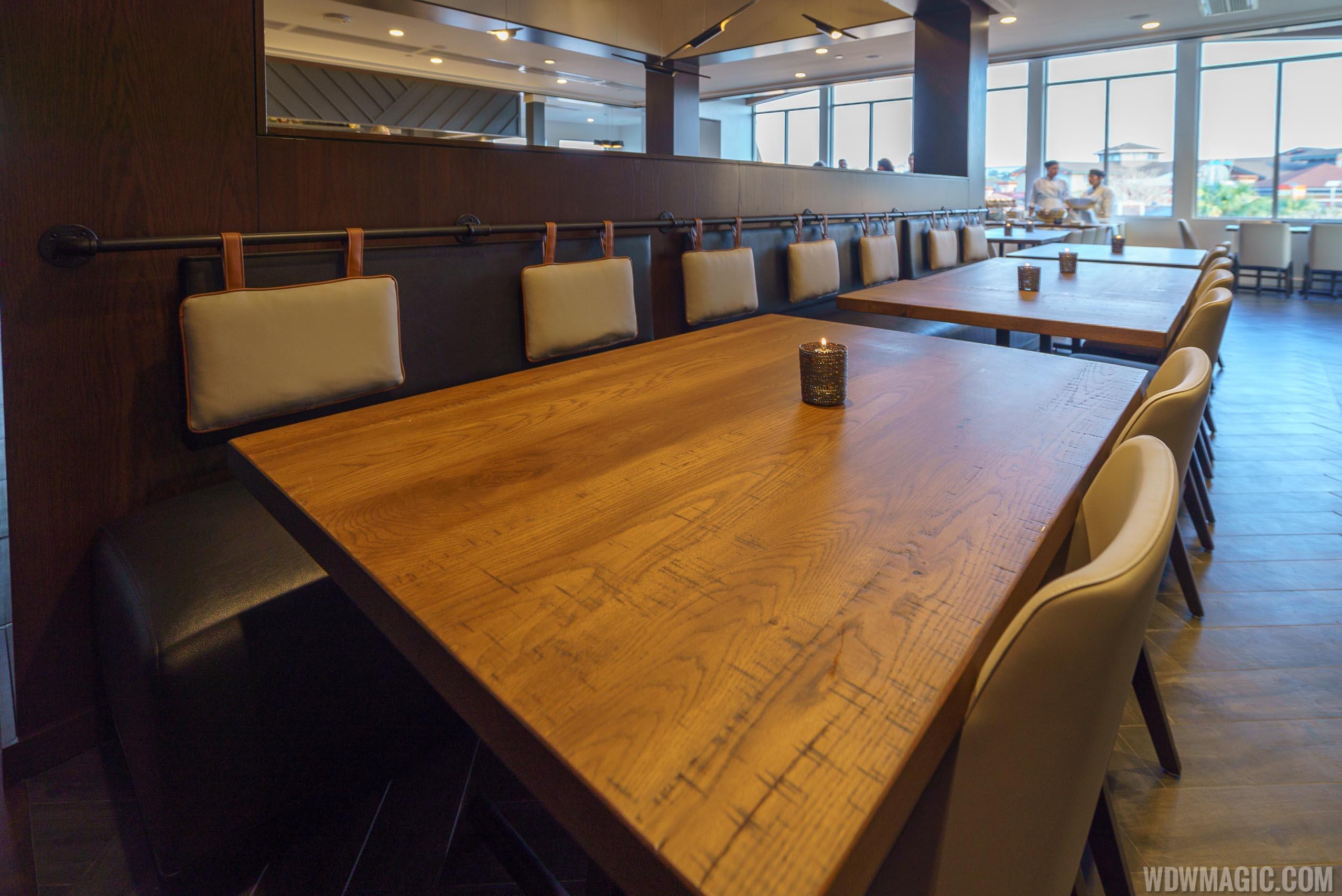 Paddlefish - Mid-deck stern dining room