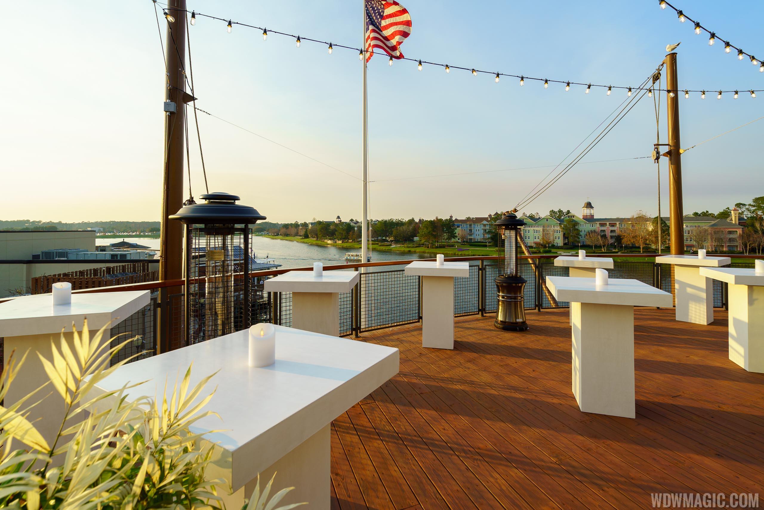 Paddlefish - Top deck bow area