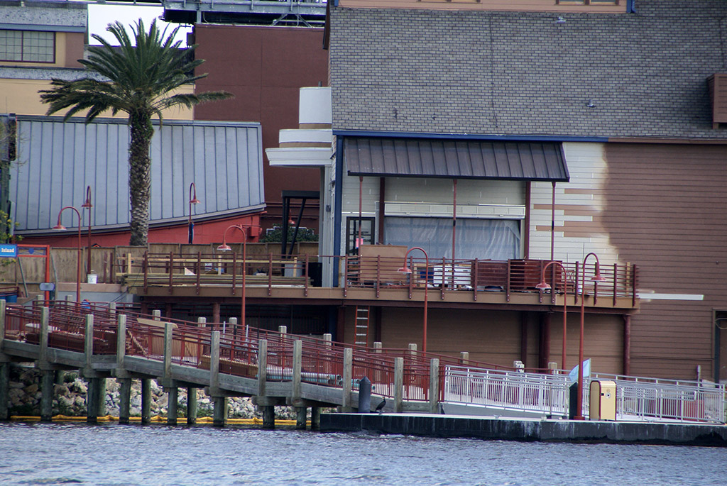 Paradiso 37 construction viewed from the lake